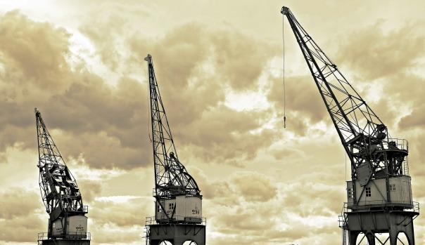 harbour-cranes-1669408_1920