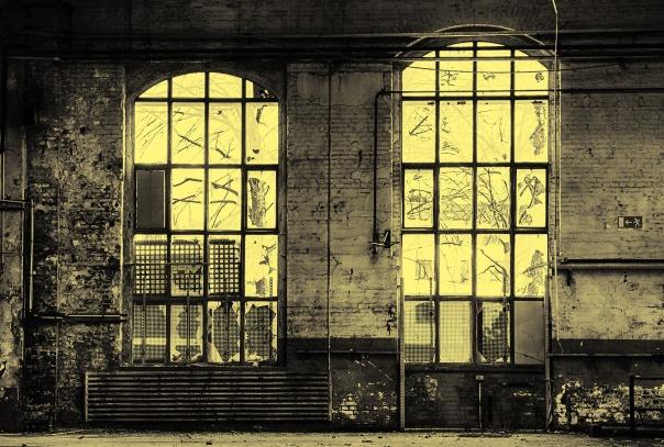 window-2152708_1920